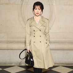#vogueceleb 日前出席 Dior 高級訂製服大秀的宋慧喬  風衣外套配上點點襯衫好美  @dior #宋慧喬 #Dior #paris #hautecouture #송혜교  - Celebrity #Fashion - Women's Clothing and Shoes - Handbags and Accessories - Lifestyles of Fashionistas and Shopaholics - Gift and Bargain Ideas - Style and Culture News - Leading Beauty Brands - Editorial Photography - International Magazine Covers - Supermodels and Runway Models