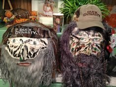 Duck Dynasty pumpkins- awesome!