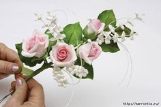 step by step flower. Sugar Paste Flowers, Wafer Paper Flowers, Frosting Flowers, Fondant Flowers, Fondant Flower Tutorial, How To Make Wedding Cake, Fondant Rose, Flower Spray, Wedding Wreaths
