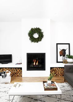 8 Connected Clever Tips: Cozy Fireplace Master Bath marble fireplace slab.Framed Tv Over Fireplace fireplace illustration design. Simple Living Room, Home Living Room, Modern Living, Christmas Living Room Decor, Living Area, Minimalist Christmas, Minimalist Kitchen, Cozy Fireplace, Fireplace Ideas