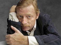 Otto Sander (* 30. Juni 1941 in Hannover; † 12. September 2013 in Berlin) war ein deutscher Schauspieler, Synchron- und Hörspielsprecher.