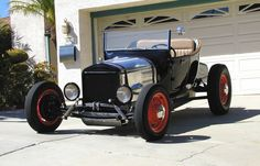 Photo: This is one beautiful Model T roadster hot rod it's plain but beautiful a true hot rod. T Bucket, Kustom Kulture, Photo Search, Chevrolet Trucks, Vintage Trucks, Street Rods, Pictures Of You, Beautiful Models, Fast Cars