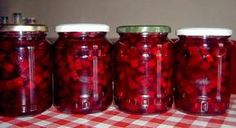 DELICIUL IERNII ! Iata cum se face SFECLA ROSIE conservata in OTET! - Viata si Sanatate Pickles, Good Food, Food And Drink, Canning, Drinks, Homemade, Preserves, Salads, Beverages