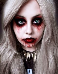 Halloween Vampire Makeup: Halloween is coming so let's dedicate a series of special items for this celebration. You know the Vampire makeup for Halloween. Creepy Halloween Costumes, Looks Halloween, Halloween 2015, Halloween Party, Girl Halloween, Halloween Vampire, Spirit Halloween, Women Halloween, Holiday Costumes