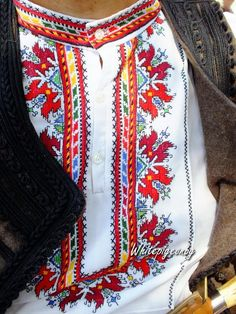 Traditional embroidered man's hirt from the Pazardjik region (central Bulgaria). Folk Embroidery, Machine Embroidery Designs, Embroidery Patterns, Cross Stitch Borders, Embroidered Clothes, Folk Costume, Ethnic Fashion, Traditional Dresses, Macedonia
