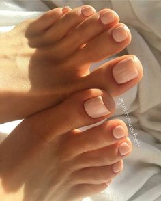 28 Trendy Gel Pedicure Toes Natural – Nails – – About Eye Makeup Gel Pedicure, Pedicure Summer, Summer Toenails, White Pedicure, French Pedicure, Manicure Ideas, Mani Pedi, Gel Toe Nails, Nude Nails