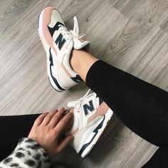 Tendance Chaussures 2017/ 2018 :    Description   Sneakers women – New Balance 530 by KB B    - #Chausseurs https://madame.tn/fashion/chausseurs/tendance-chaussures-2017-2018-sneakers-women-new-balance-530-by-kb-b/