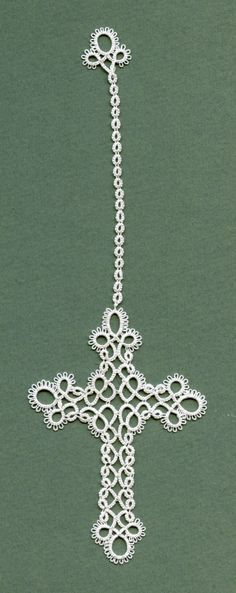 006_Tatted Cross_2-407x1024, from 'tatted bookmarks-cross shaped'. I have made this cross numerous times but I like the use of split rings for the 'tassle' at the top. I get tired of Josephine knots..... lovely!