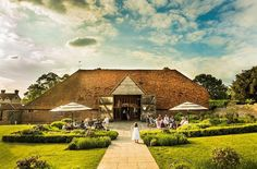 Stunning photo of the tithe barn at #uftoncourt.