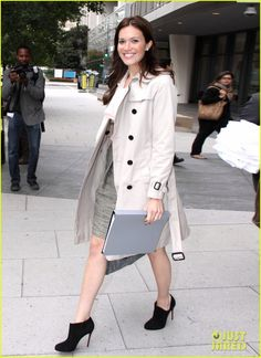 Mandy Moore - love her outfit. smart dressy work outfit