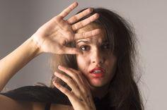 Kadına Şiddet ve Kadın Cinayetleri | Yazar : Hatice Aydemir Toplumumuzda yaşanan en büyük problem kadına şiddettir. Bu problem uzun süredir var olmakla birlikte günümüzde daha sık yaşanmaya başlamıştır. Son dönemlerde kadına şiddet ile birlikte kadın cinayetleri de kendini göstermeye başlamıştır. Bu toplumsal sorun ülkemizde diğer ülkelere kıyasla daha ço... #Kadın  http://www.mornota.com/kadina-siddet-ve-kadin-cinayetleri/