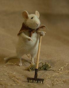 raking mouse - Natasha Fadeeva felted animals