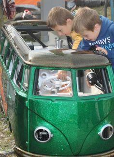 Volkswagen combi pslit pour les enfants