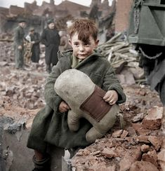 London 1945 a wonderful archive of coloured historical photos.