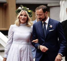 The Royal Watcher: Crown Prince Haakon and Crown Princess Mette-Marit of Norway at a garden party at the Stiftsgården royal residence in Trondheim during the Royal Silver Jubilee Tour on June 23, 2016. Photo: Lise Åserud / NTB scanpix