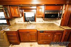 """2007 Used Country Coach AFFINITY Stag's Leap Class A in Oregon OR.Recreational Vehicle, rv, Guaranty RV Super Centers was named a Top 5 Blue Ribbon dealer by RVBusiness Magazine 2015 Top 50 Dealer Awards. """"We don't just sell fun, we Guaranty it!"""""""