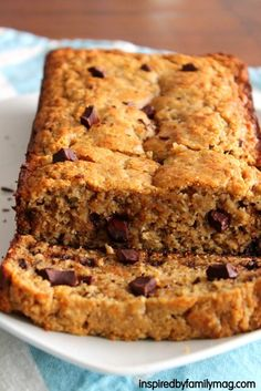Chocolate Chunk Peanut Butter Banana Bread {Healthy, gluten free} - just had another slice! it's really good. it doesn't rise as much as my non-gluten free recipe but the flavor is amazing and it's moist!