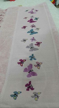 Cross Stitch Patterns, Rugs, Ideas, Decor, Cross Stitch, Men's, Scrappy Quilts, Pretty Images, Butterflies