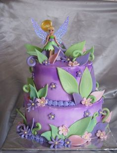 Tinkerbell cake-like the look, different figurine Tinkerbell Birthday Cakes, Fairy Birthday Cake, Tinkerbell Party, 3rd Birthday, Pretty Cakes, Cute Cakes, Beautiful Cakes, Bolo Tinker Bell, Fairy Cakes