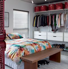 Tudo sobre closets e araras: 21 inspirações, tamanhos e dicas