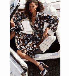 @JoanSmalls estrela a campanha da coleção primavera-verão 2017 da @MichaelKors Collection cujo tema é romance. Clicada por @MarioTestino a modelo posa vestindo um look com estampa floral que tem tudo a ver com a estação. Para completar a produção ela usa acessórios brancos.  via MARIE CLAIRE BRASIL MAGAZINE OFFICIAL INSTAGRAM - Celebrity  Fashion  Haute Couture  Advertising  Culture  Beauty  Editorial Photography  Magazine Covers  Supermodels  Runway Models