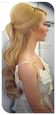 we ❤ this!  moncheribridals.com  #vintageweddinghair #retroweddinghair #halfuphalfdownweddinghair