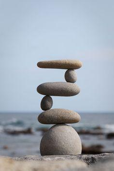 Evenwicht: toestand waarin alles aan alle kanten even zwaar is.