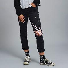 Feeling like a freak on a leash. The Leash Jean // New In #theraggedpriest