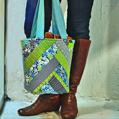 This tote is SO CUTE!  Super quick and easy  YouTube tutorial on how to make this from Crafty Gemini and Jenny Doan of Missouri Star Quilt Company!  This one's definitely on my list!
