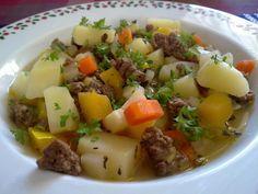 Perinteinen jauhelihakeitto - Kotikokki.net - reseptit I Love Food, Potato Salad, Mashed Potatoes, Pork, Food And Drink, Beef, Dinner, Ethnic Recipes, Soups