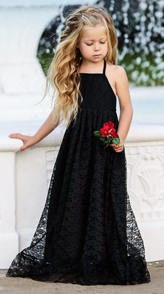 ALALOSHA: VOGUE ENFANTS: Must Have of the Day: Lauren Helen Couture is perfect for a fairytale themes, traditional wedding or modern party. Baby Girl Party Dresses, Lace Party Dresses, Baby Dress, Girls Dresses, Flower Girl Dresses, Dress Party, Party Wear, White Princess Dress, Princess Ball Gowns