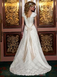 Irish Wedding Dresses Inspiration Irish Wedding Dresses - Admiring an Irish-theme wedding party and planning on having one one day? If so, we have summarized some wedding dress that will Irish Wedding Dresses, Princess Wedding Dresses, Bridal Dresses, Wedding Gowns, Lace Wedding, Prom Dresses, Celtic Wedding, Wedding Bride, Corset Back Wedding Dress