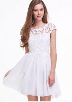 So pretty! I love white dresses!!