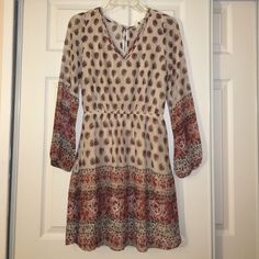 cute long sleeve dress super cute long sleeve dress. I got it as a gift I just never wear it :( And it's a bit long for my short self. Make me an offer! Francesca's Collections Dresses Long Sleeve