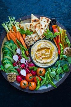 16 Drop-Dead Gorgeous Crudités Platters