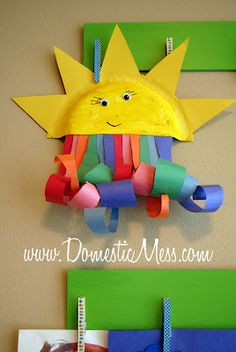 {Domestic Mess}: 10 things to do with a sick (young) kid :) Preschool Crafts, Diy Crafts For Kids, Projects For Kids, Arts And Crafts, Weather Crafts, Paper Plate Crafts, Sick Kids, Camping Crafts, Summer Crafts