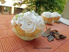 Cupcake Mojito - Ricetta dolce - Sabry in cucina Flower Cupcakes, Mojito, Food Porn, Cup Cakes, Dolce, Desserts, Muffin, Recipes, Garden