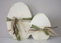COUNTRY GIRL HOME- egg idea.  Use hot glue to make designs on eggs, and then paint.