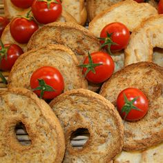 #friselle di #grano duro #shoponline #products #food #bakedproducts su www.italyfoodwine.it
