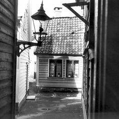 Nedre Banesmug fra marcus.uib.no Bergen, Norway, Vintage, Historia, Vintage Comics, Mountains