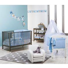 Jungenzimmer Für Zwei Babys, Wände In Blau Und Weiß, Holzbetten Mit Rollen,  Ideen