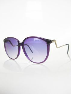 edf5e2a2af22 Vintage 1980s OVERSIZED Sunglasses Eyeglasses Glasses PURPLE Avant Garde  LILAC Indie