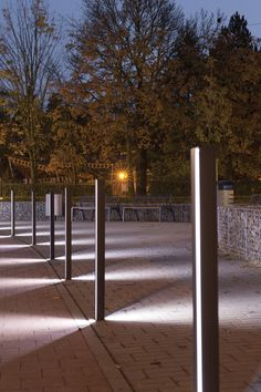 ELIAS bollard by mmcit Important detail in public space LED light Driveway Lighting, Backyard Lighting, Exterior Lighting, Outdoor Lighting Landscape, Landscape Lighting Design, Urban Furniture, Street Furniture, Architectural Lighting Design, Architectural Presentation