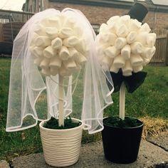 """Darf es mal etwas ganz ausgefallenes sein ? ? ?   Zwei Candy Trees im """"**Braut & Bräutigam**"""" Style.  Ob zur Verlobung, Hochzeit, als Geschenk, oder für eine Candy Bar . . . Dem Einsatz dieses..."""