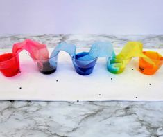 Fun & Easy Rainbow Walking Water Experiment Stem Projects For Kids, Science Projects, Spring Activities, Fun Activities, Walking Water Experiment, Water Experiments For Kids, Yellow Cups, Small Mason Jars, Blue Food Coloring