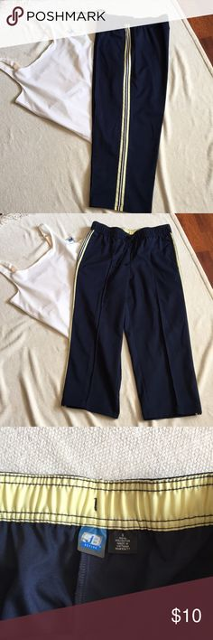 3/20.00 Never Worn St Johns Bay Capri Sweat Bottom Never Worn Navy Sweat Capris. Excellent Condition. Cleaning Closet . Loveitlistitorwearit. Motto 2018 Do it through OFFER to get special pricing St. John's Bay Other