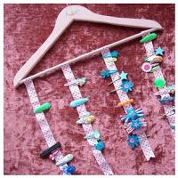 WhiMSy love: DIY Hair accessory holder from repurposed wooden clothing hanger!