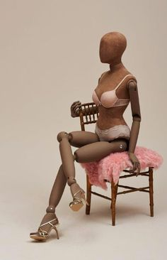 "Proportion> manufacturer/supplier of mannequins,London UK,""Waiting On The World To Change"",pinned by Ton van der Veer"