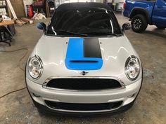 2013 Mini Cooper Roadster Convertible with custom 3M1080 Matte Riviera Blue, Deep Black, and Dark Gray stripes #mini #3m1080 #graphics #3m