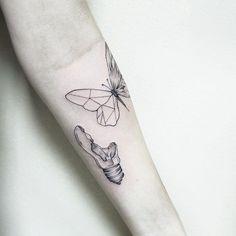 "Tatuagem feita por <a href=""http://instagram.com/luiza.blackbird"">@luiza.blackbird</a> ❤️ Luiza Oliveira  tattoo artist and illustrator •contato:luiza.blackbird@gmail.com •belo horizonte, BRASIL  agenda aberta www.facebook.com/blackbirdatelier"